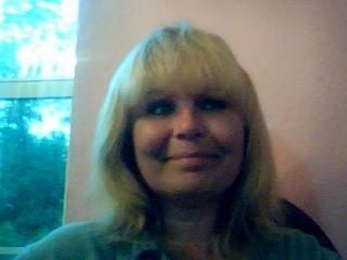 blondeiedgeX webcam