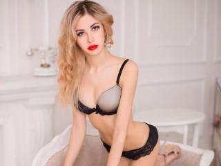 Blondinessa free nude cam
